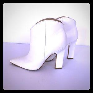 Bright white modern cowboy style!